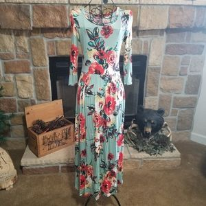 Ladies Floral Maxi Dress